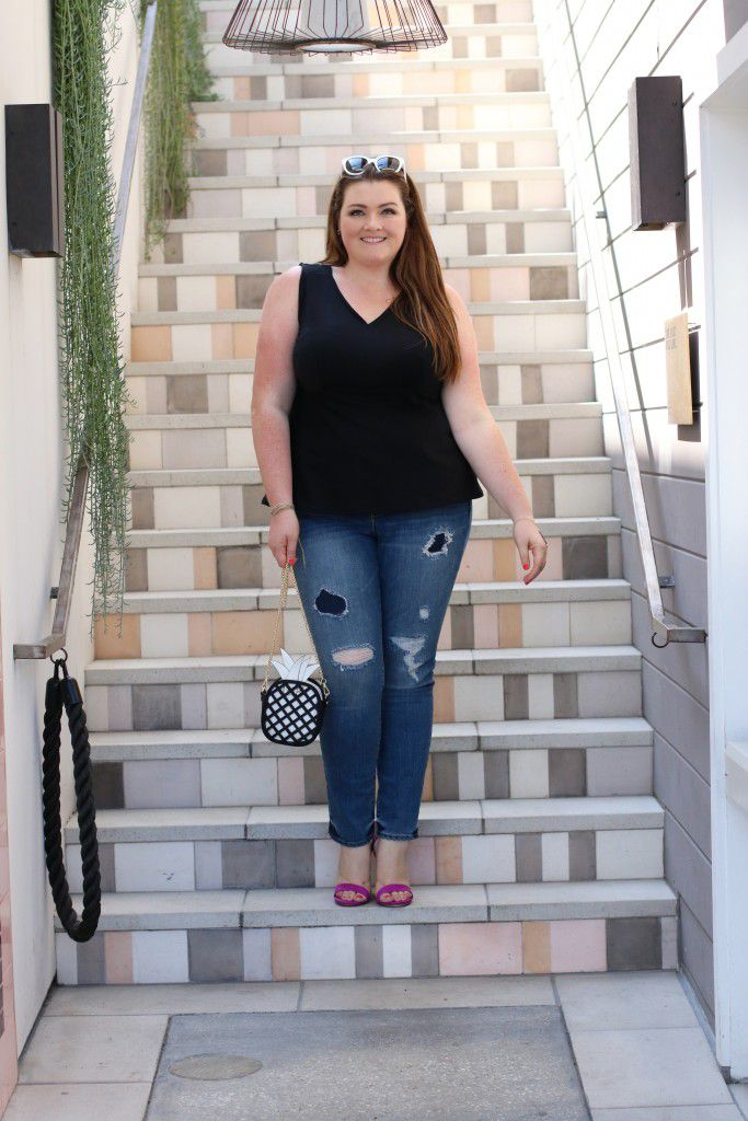 afc6e02dbd4b 14 Plus Size Jeans Outfits That Will Turn Heads