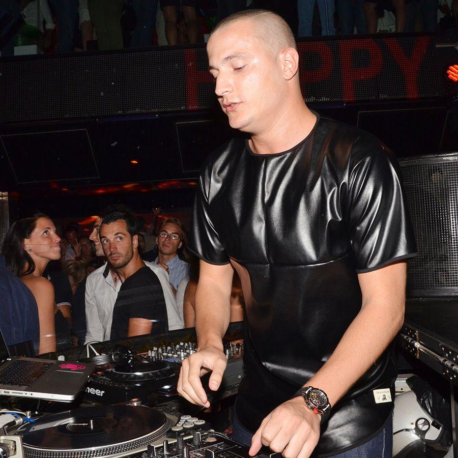 DJ Snake performing