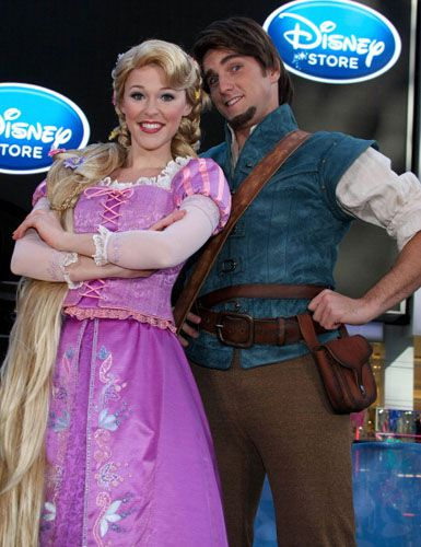 Make A Rapunzel Costume Get Tangled This Halloween