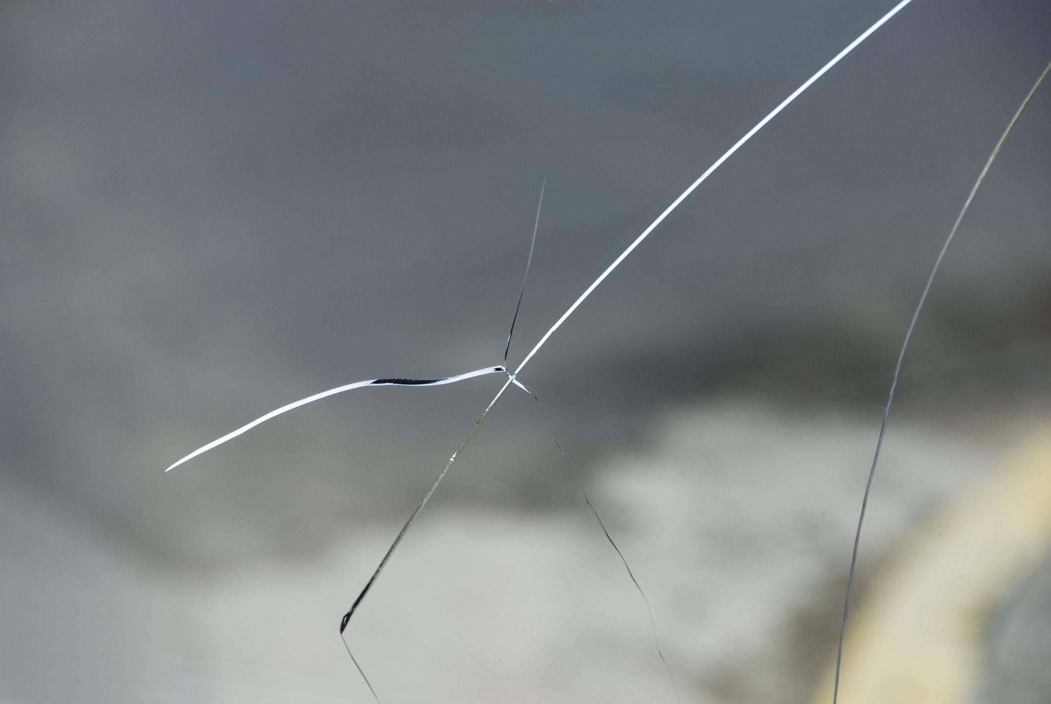 Large windshield cracks