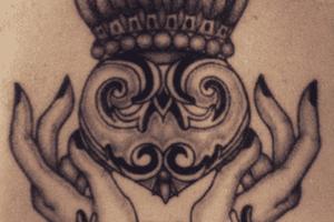 Claddagh Symbol