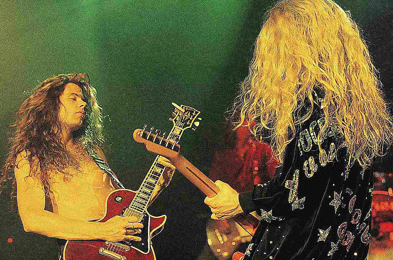 Frank Hannon and Tommy Skeoch of Tesla perform live in California during the summer of 1992.