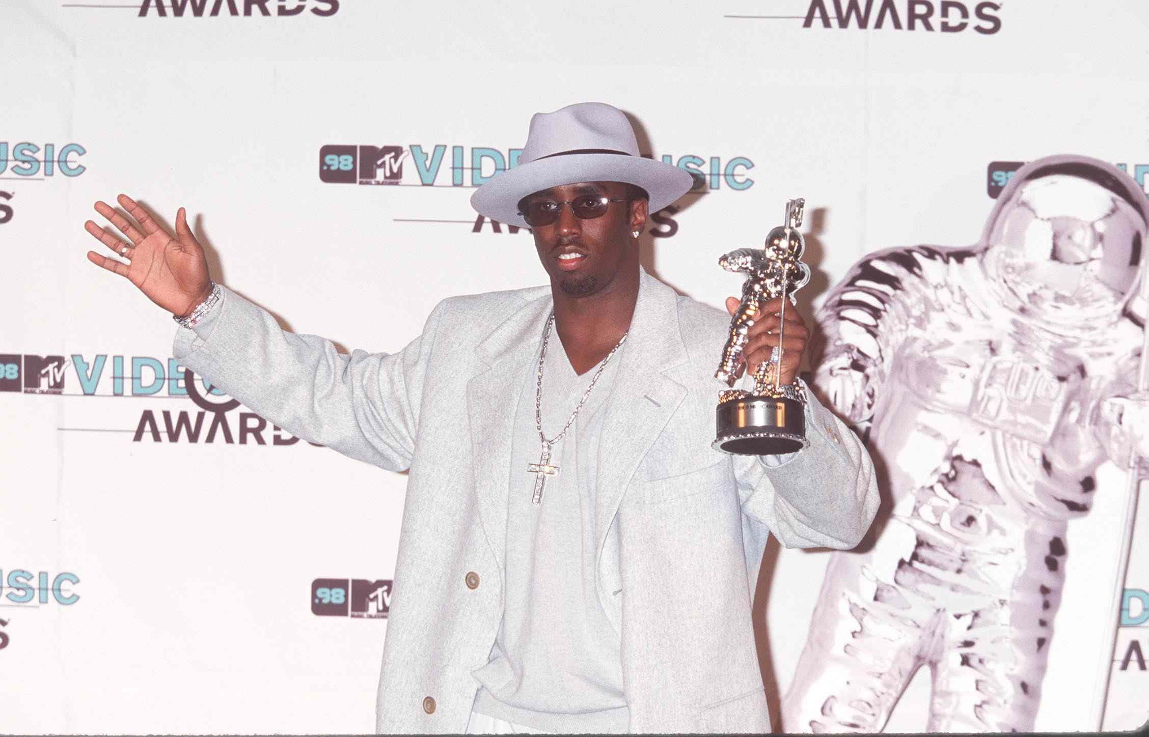 Puff Daddy at the 1998 MTV Video Music Awards