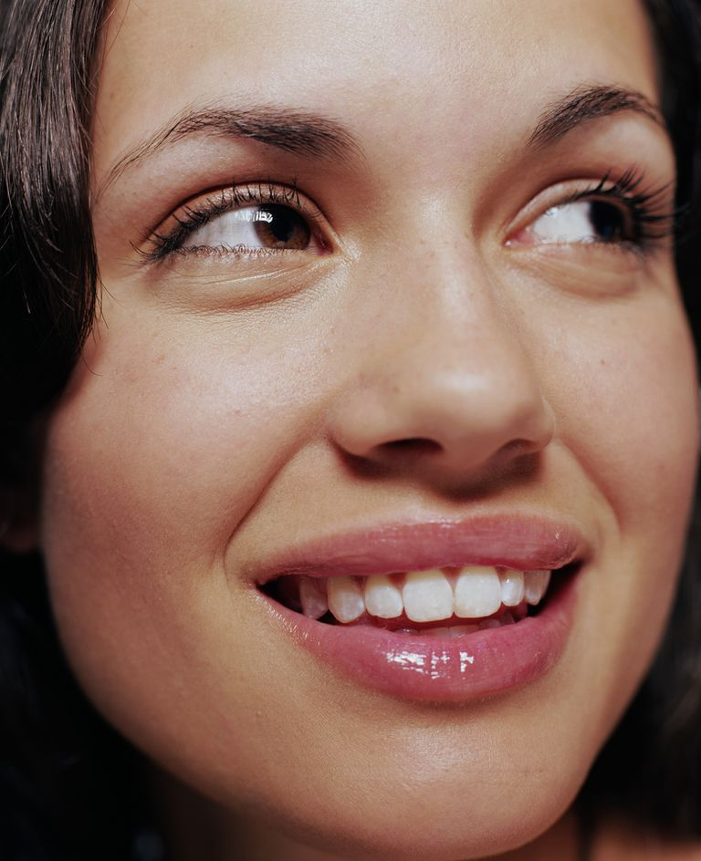 How to Get Rid of Dry, Chapped and Discolored Lips