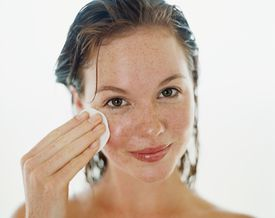 How to properly remove your makeup