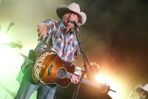 Alan Jackson With Lee Ann Womack In Concert - Nashville, Tennessee