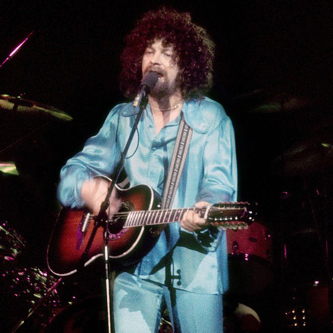 Electric Light Orchestra (ELO) performs live at the Forum in January 1977 in Inglewood, California.