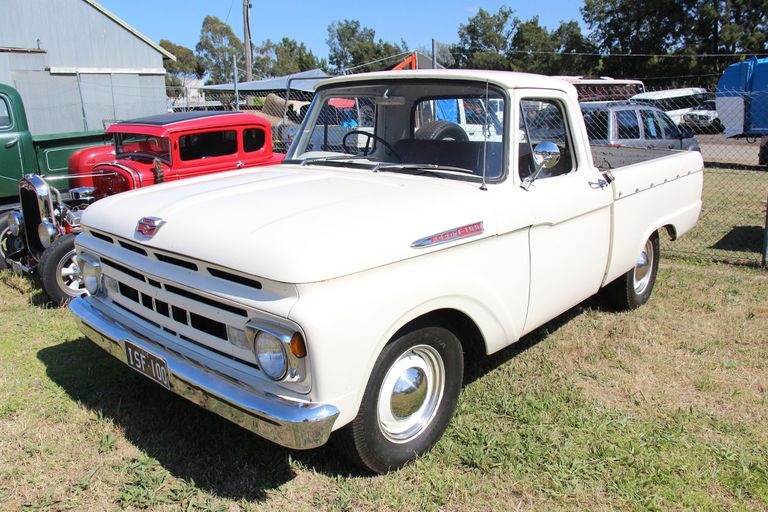 1961 Ford F100 Styleside Pickup