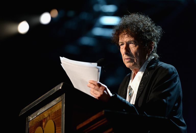 Bob Dylan speaking on stage
