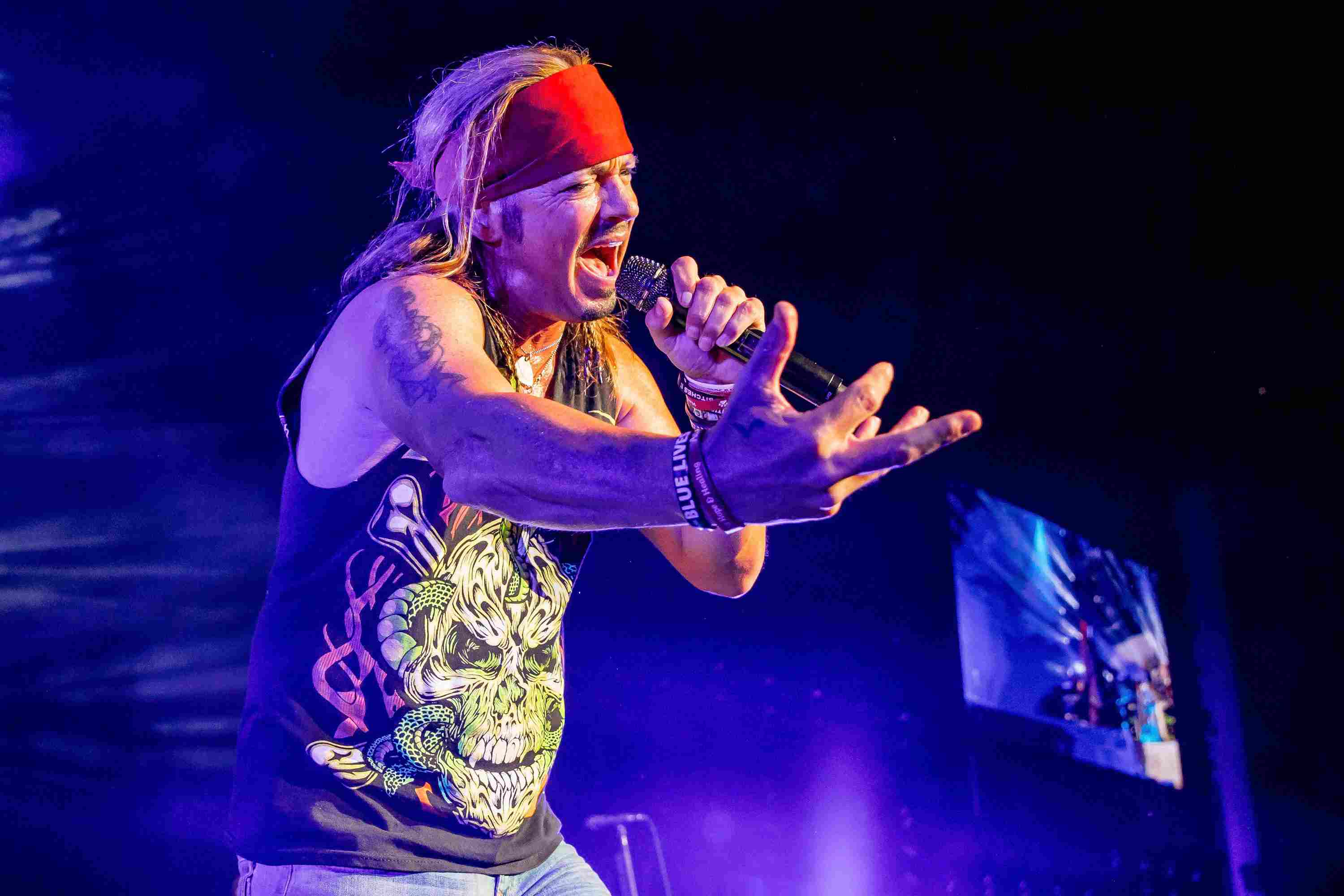 Brett Michaels of Poison on the Nothin But A Good Time tour