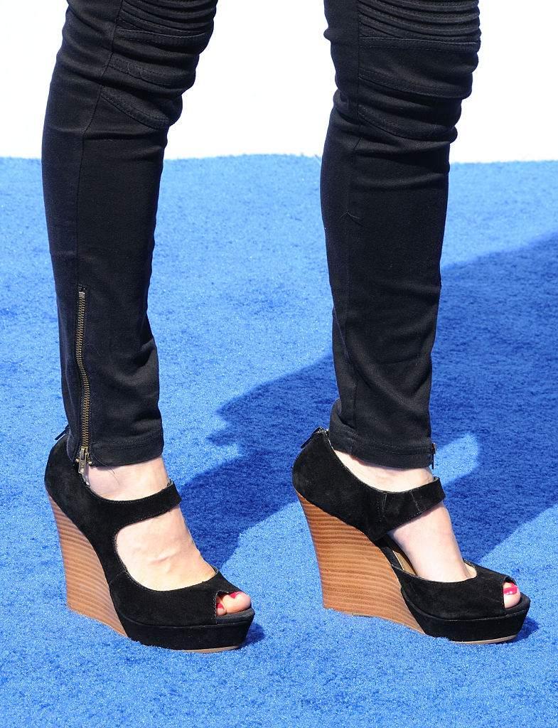 822eeeac7a4 10 Worst Shoe Styles for Short Women