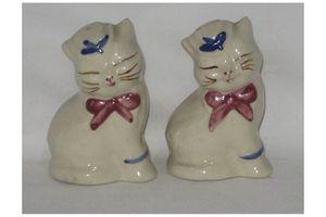 Vintage Shawnee Pottery 1940's-1950's Puss N' Boots Salt & Pepper Shaker Set