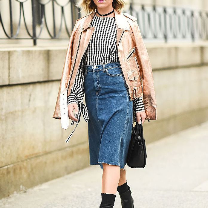 Street style denim skirt outfit