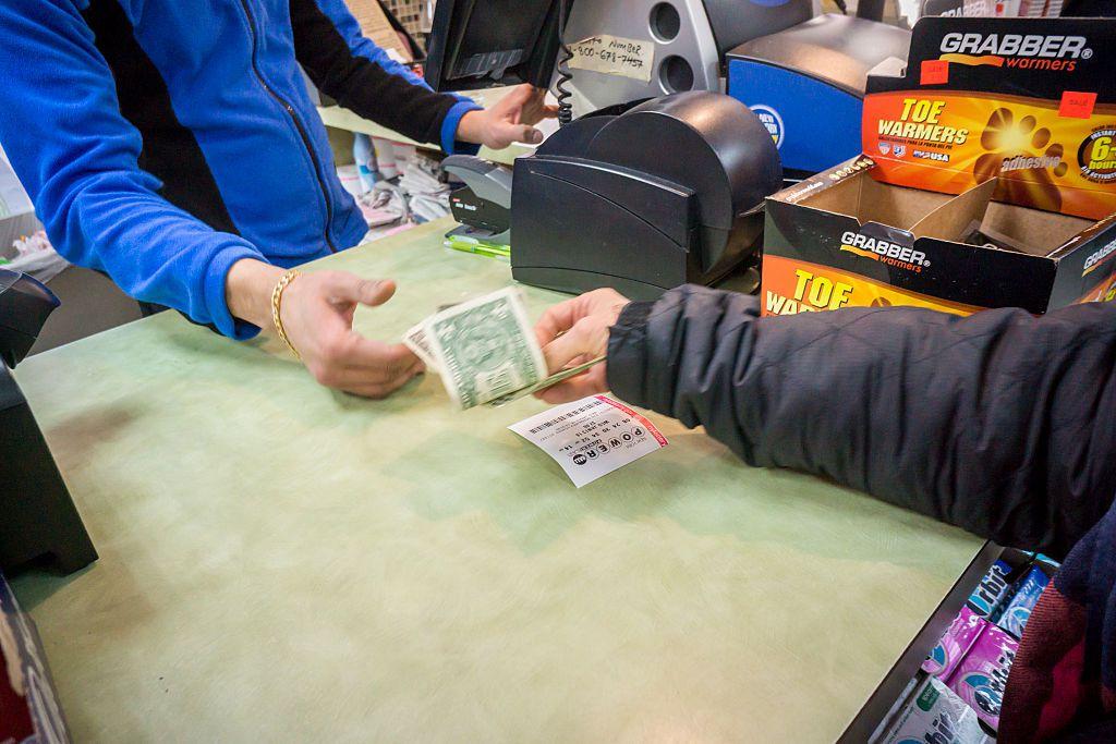 Powerball lottery jackpot reaches a record $1.5 billion