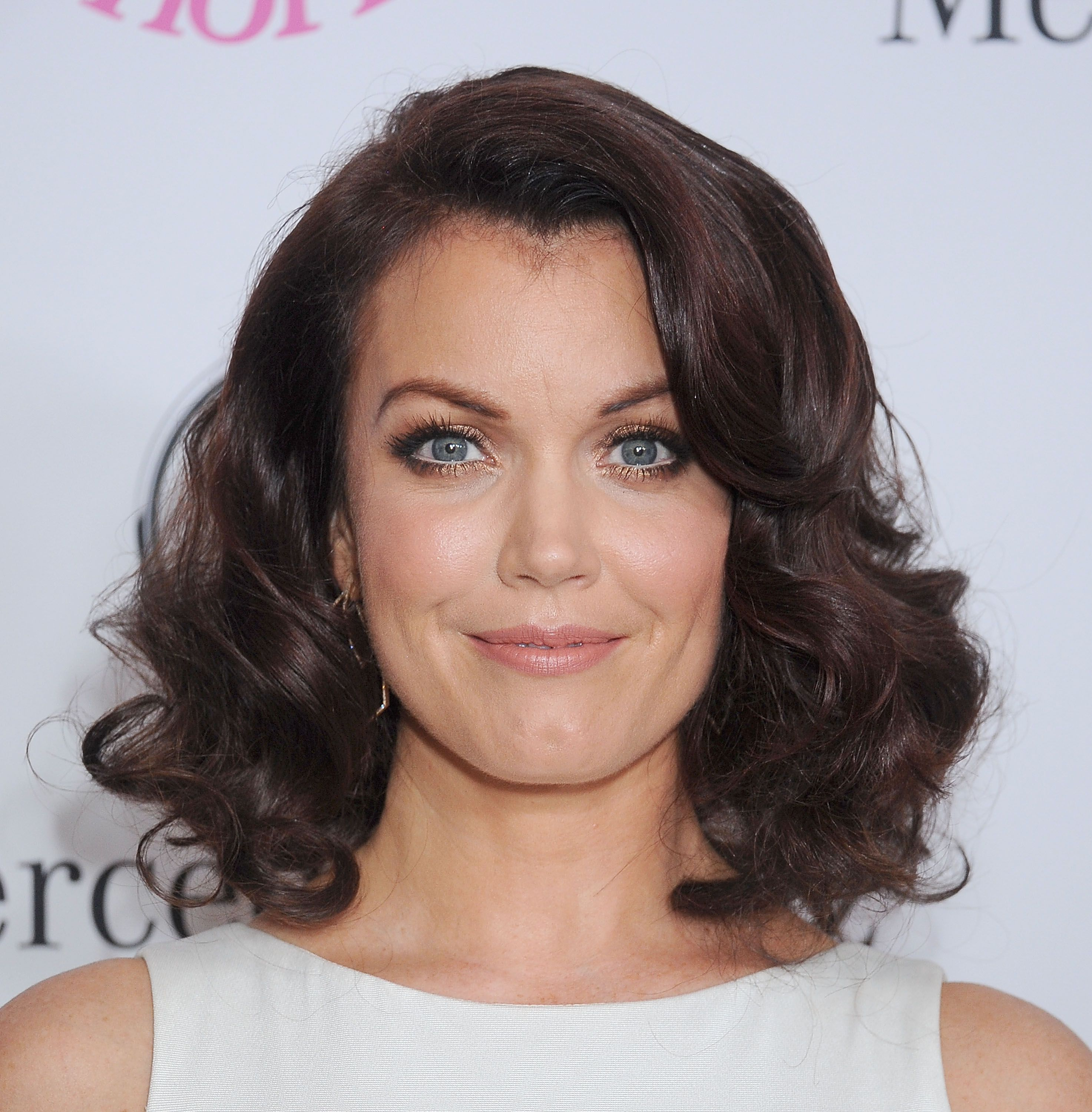 Bellamy Young with curly hair