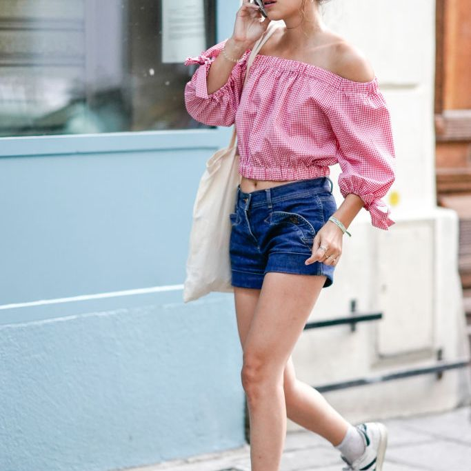 08a5689d03b2 Off the shoulder top and jean shorts for summer fashion