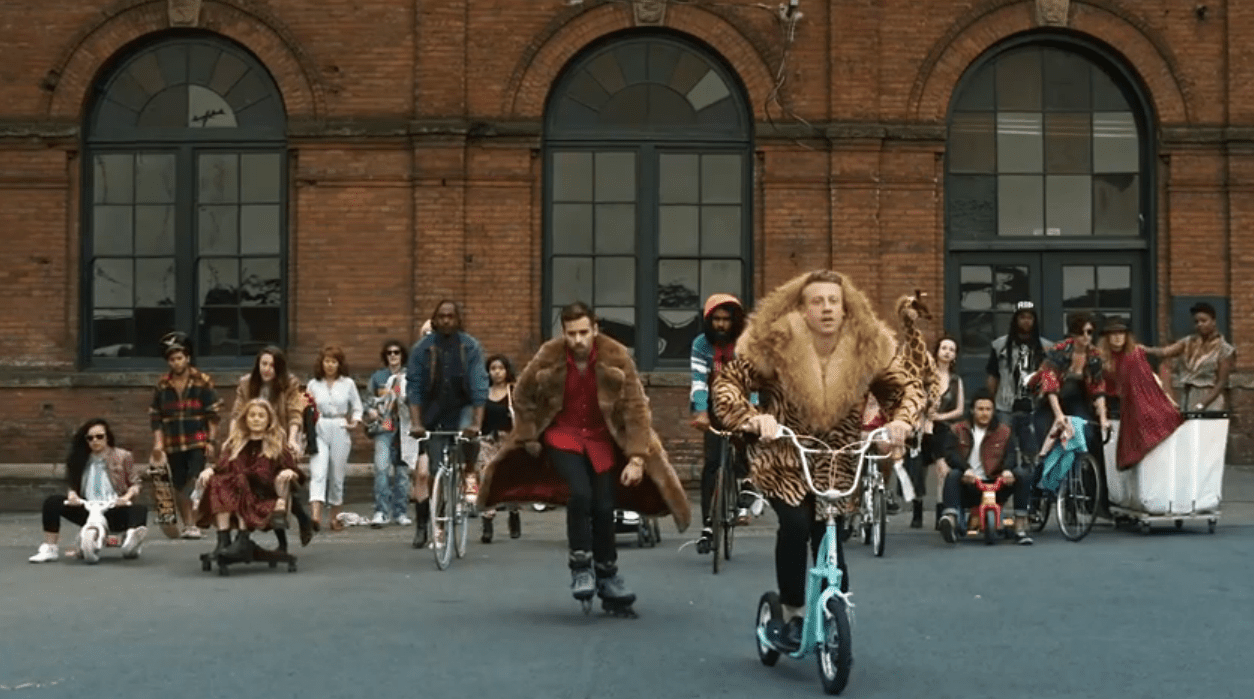 5 Funny Parodies of Macklemore and Lewis\'s Thrift Shop