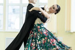 Couple dancing, ballroom dancing