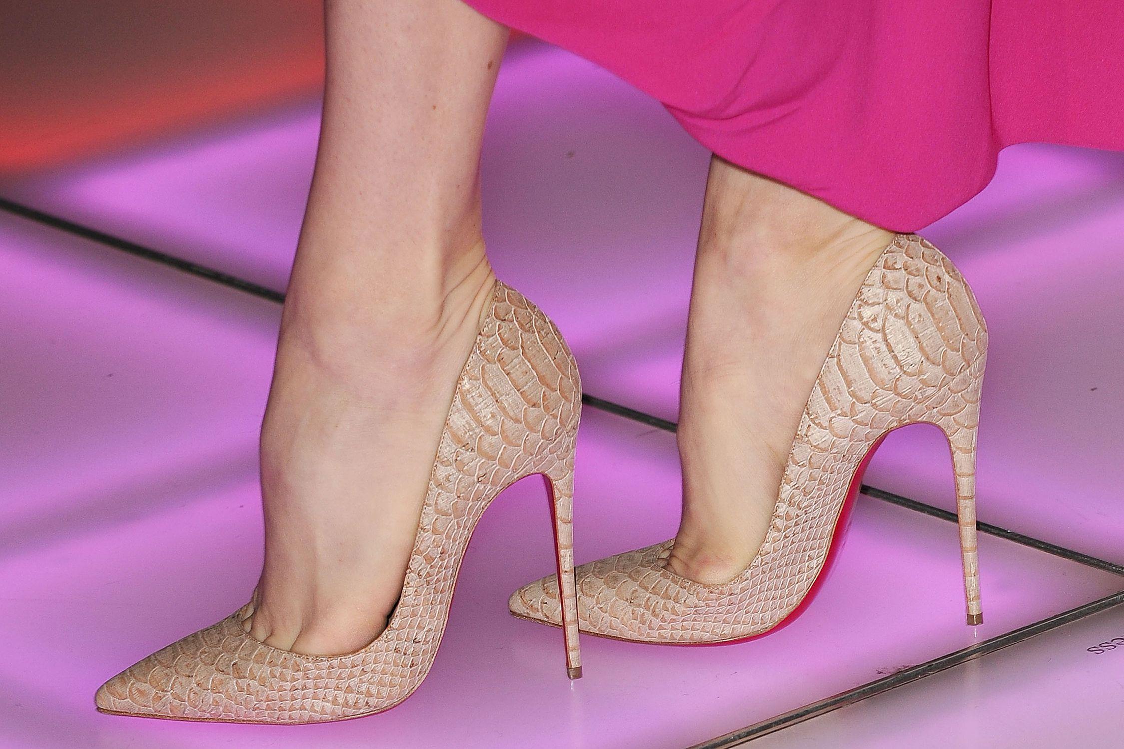 397d977e8bc Colors that Go Best with Neutral Shoes