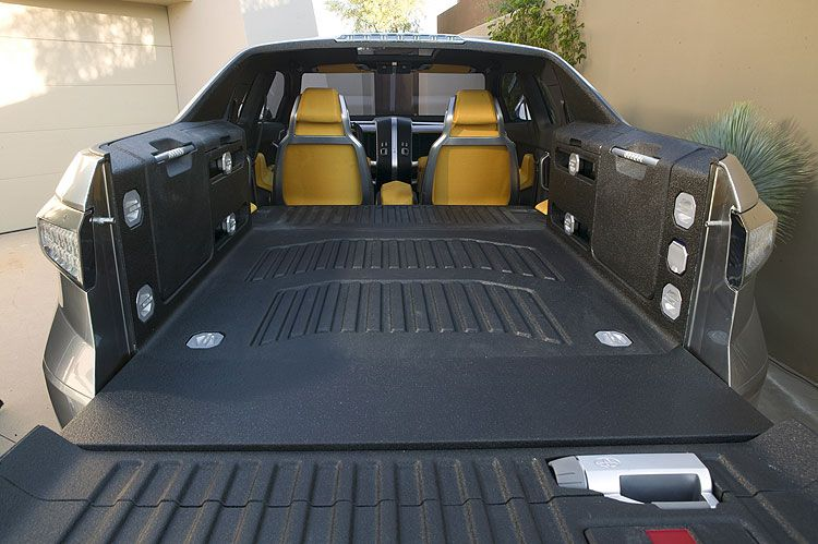Toyota A-BAT Concept Truck Midgate