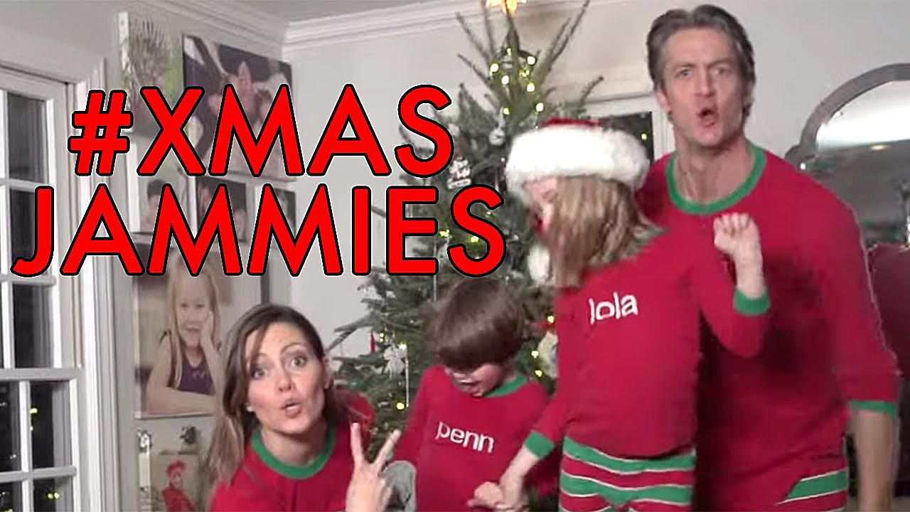 Family Christmas Meme Funny.10 Funny Holiday Christmastime Comedy Video Clips