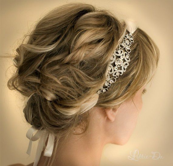 How To Accessorize Your Prom Hairstyle