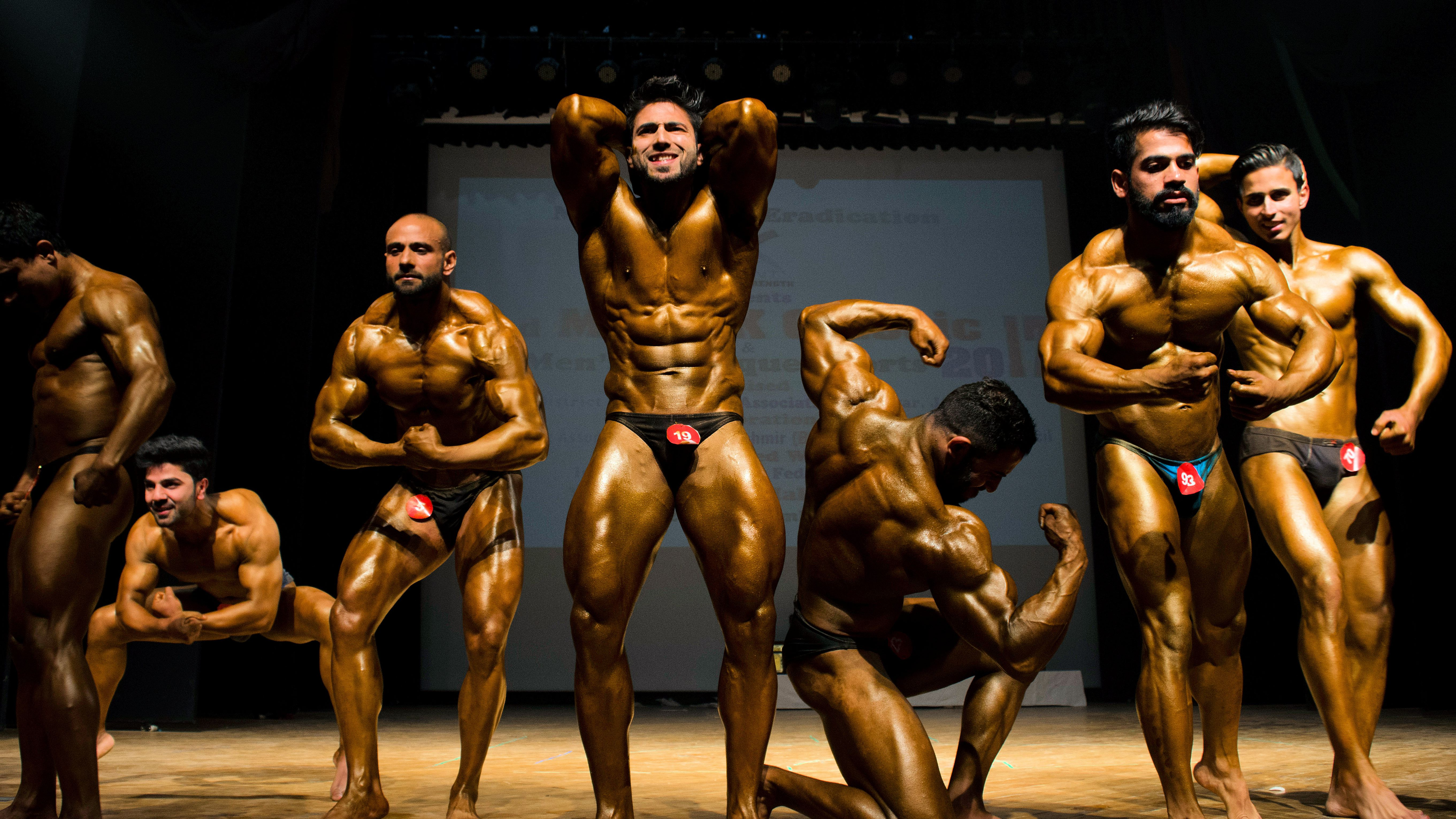 The Eight Mandatory Poses in Bodybuilding