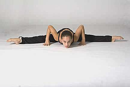 Straddle stretch to learn splits