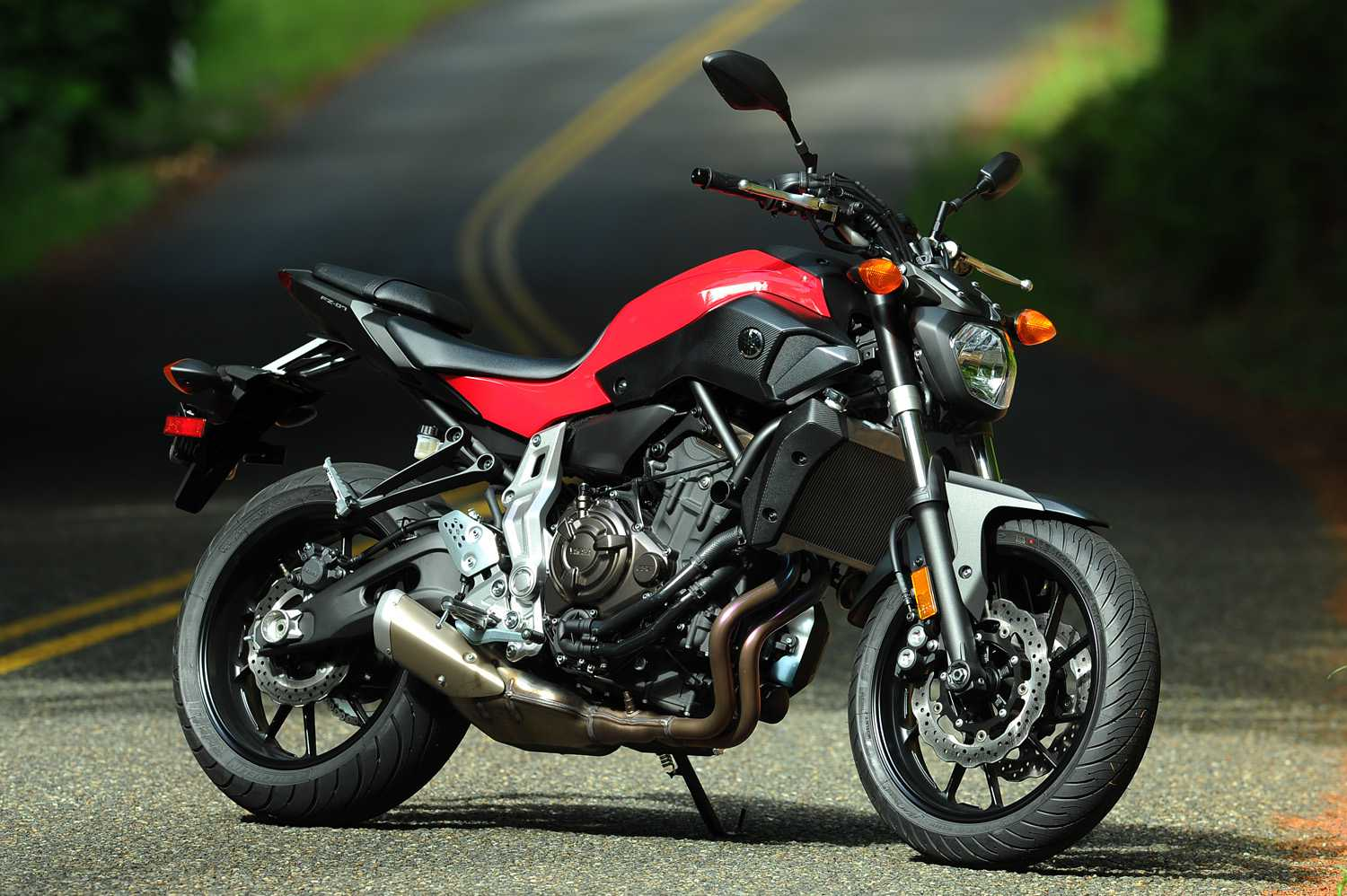 2015 yamaha fz 07 in rapid red