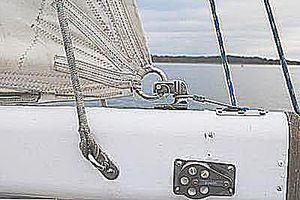 outhaul mainsail clew