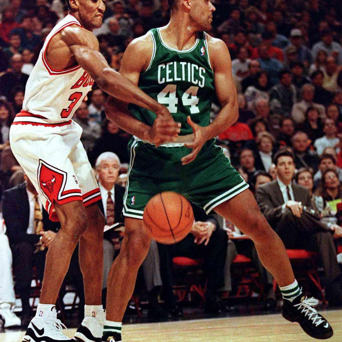Scottie Pippen's 10 Best On Court Shoes