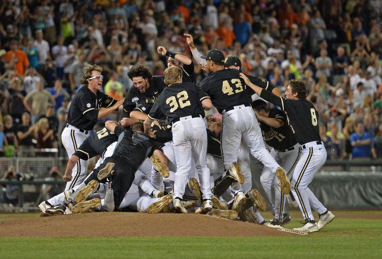 Vanderbilt defeats Virginia to win World Series June 25, 2014.
