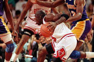 michael-jordan-air-jordan-vi-black-infrared-1991-finals.jpg