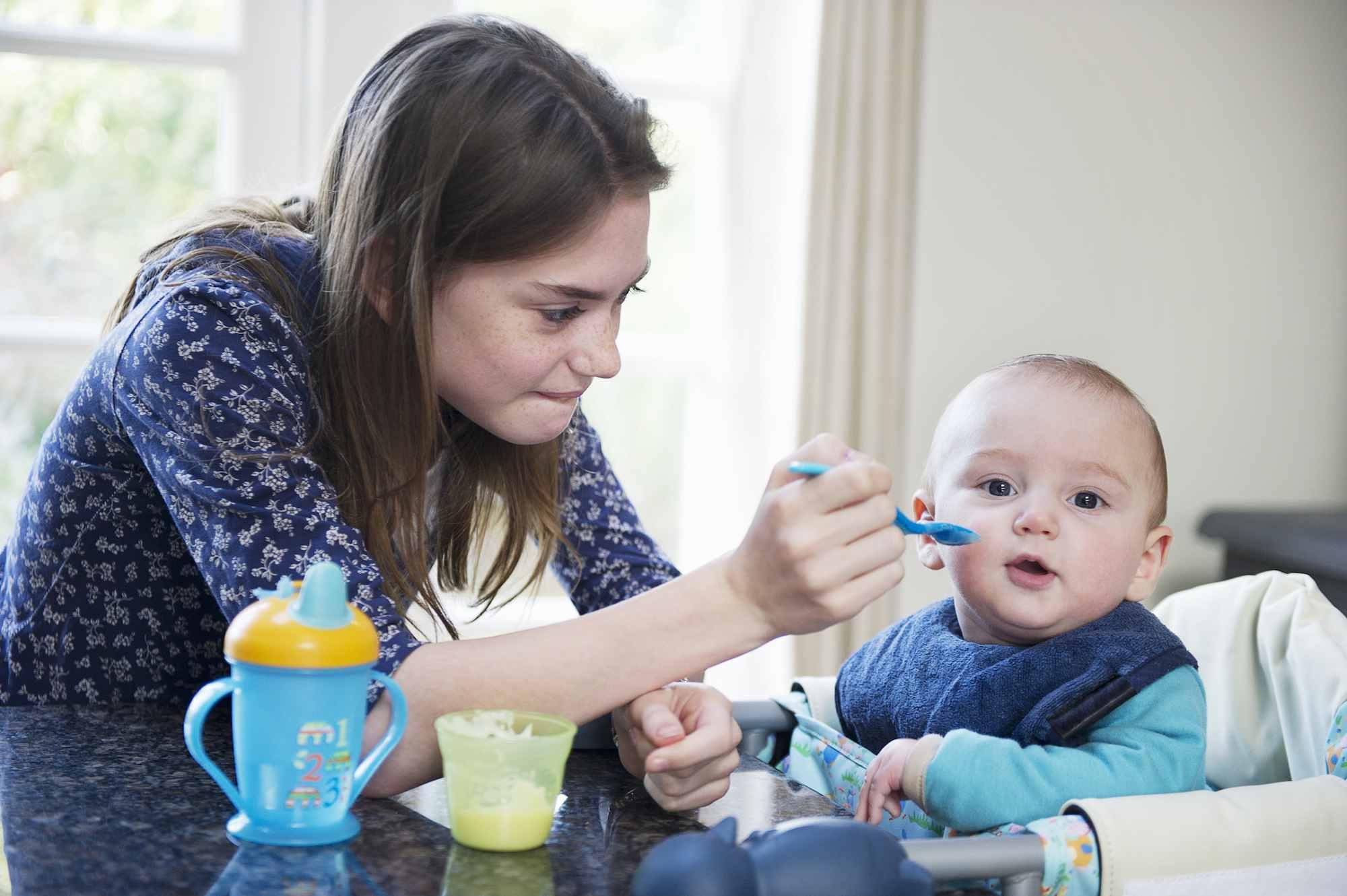 girl earning money through babysitting