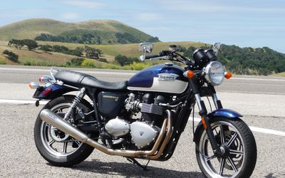 2009 Triumph Bonneville Se Review And Pictures The Triumph