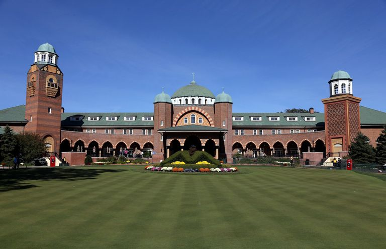 Medinah clubhouse