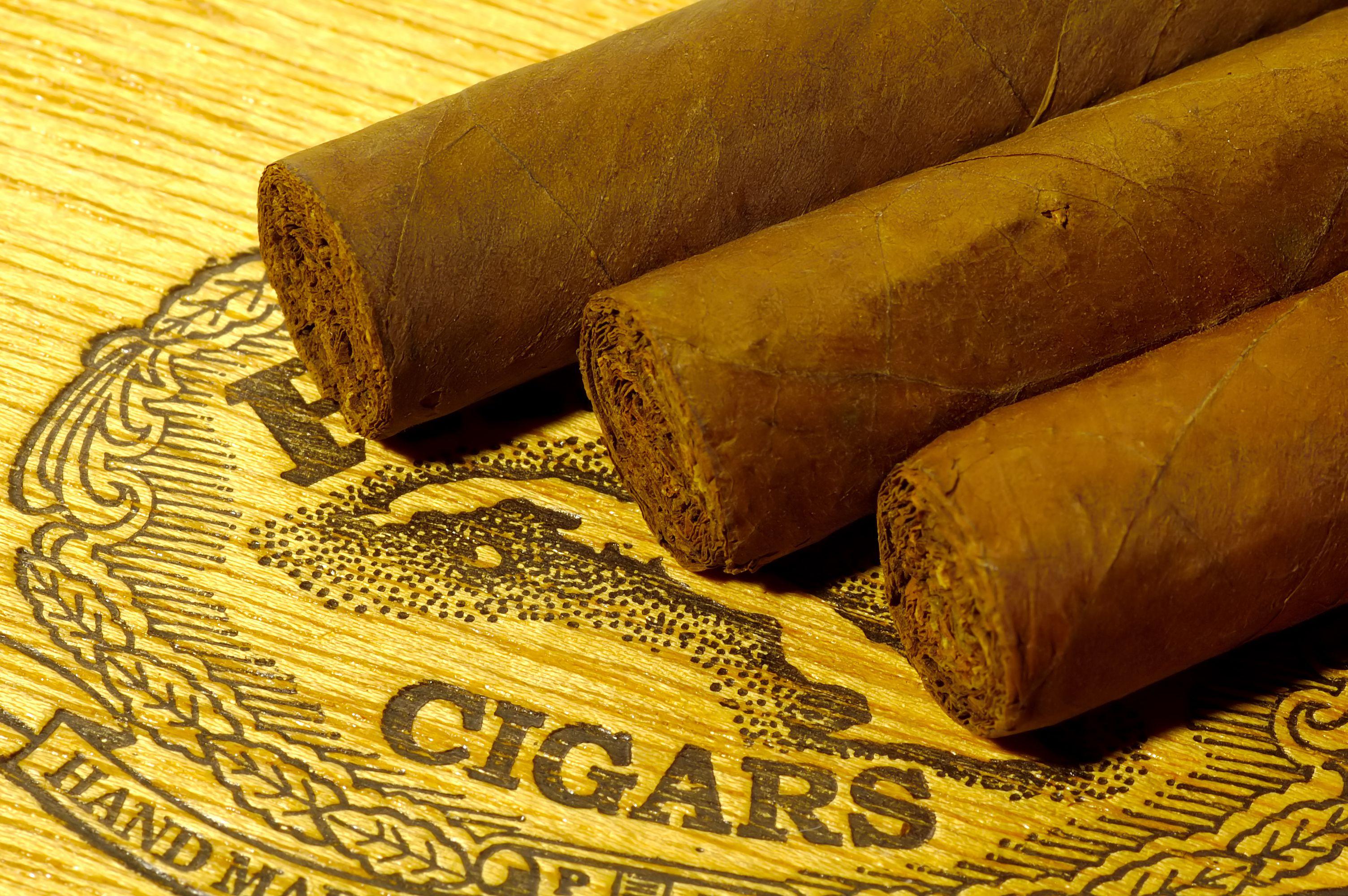 8 Top Online Cigar Retailers