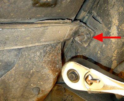 Remove the fuel tank straps.