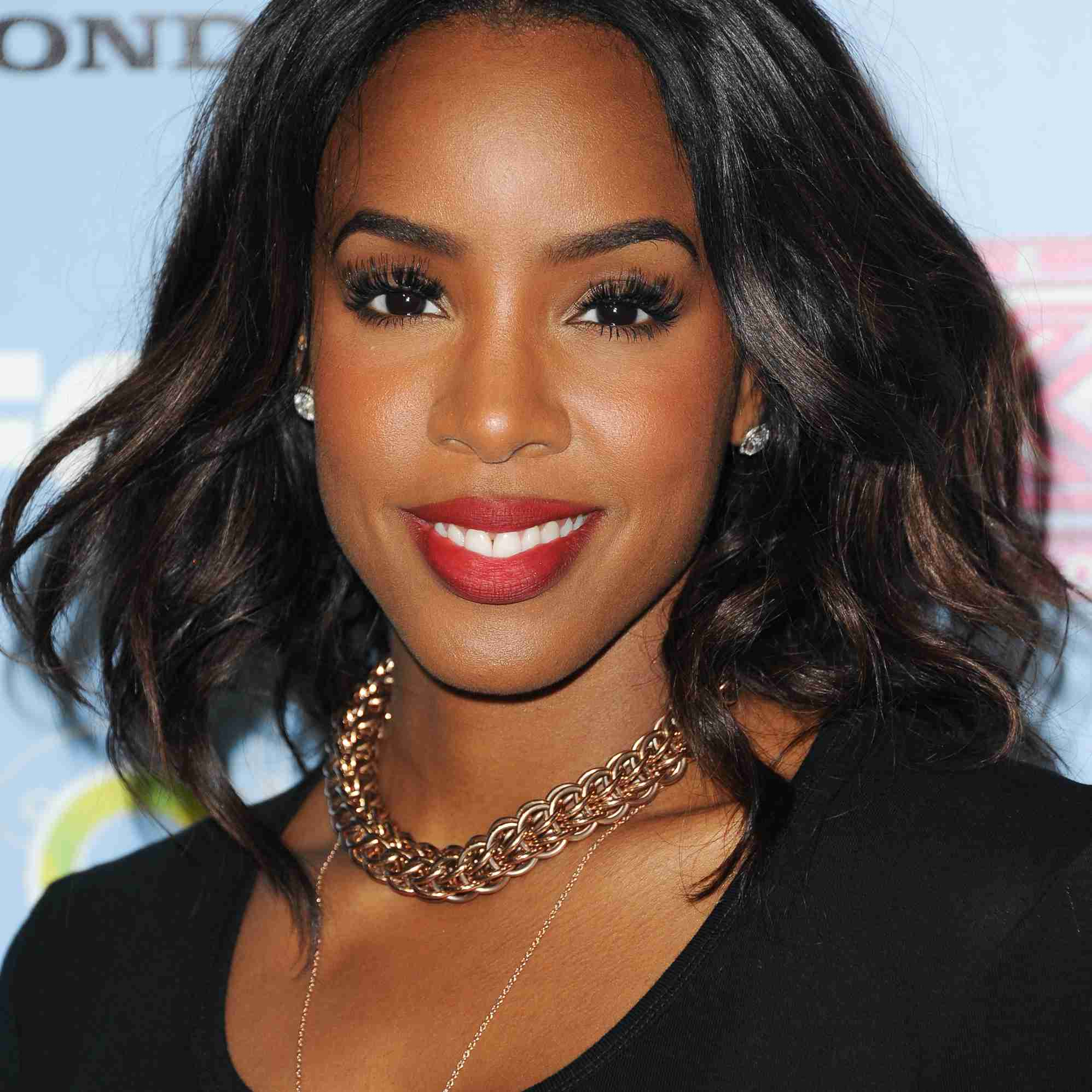Kelly Rowland in lace front wig