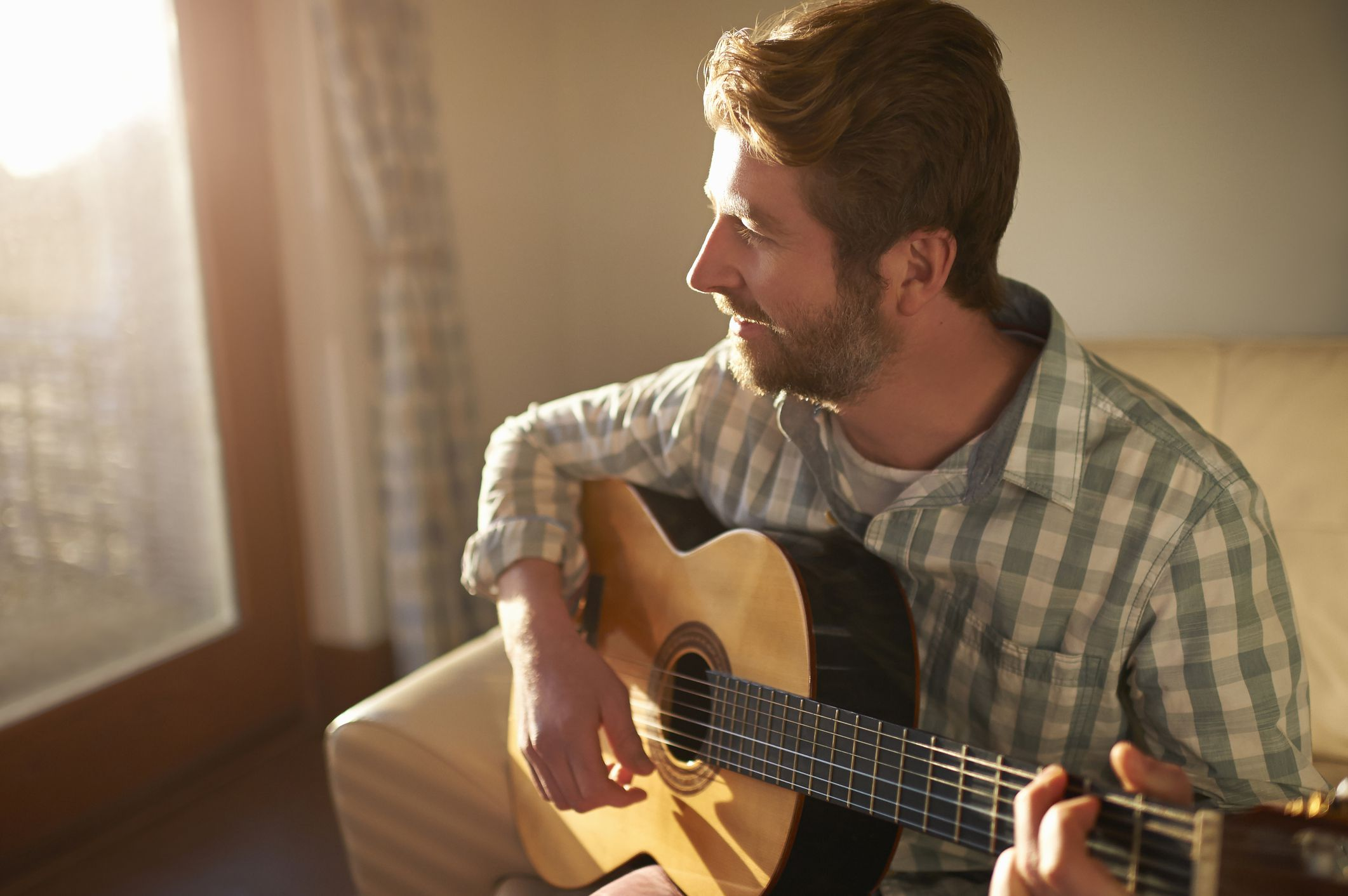 The Easiest Country Songs to Play on the Guitar