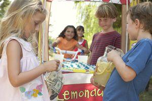 Kids working lemonade stand