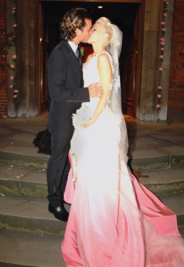 Gwen Stefani in pink Christian Dior wedding dress