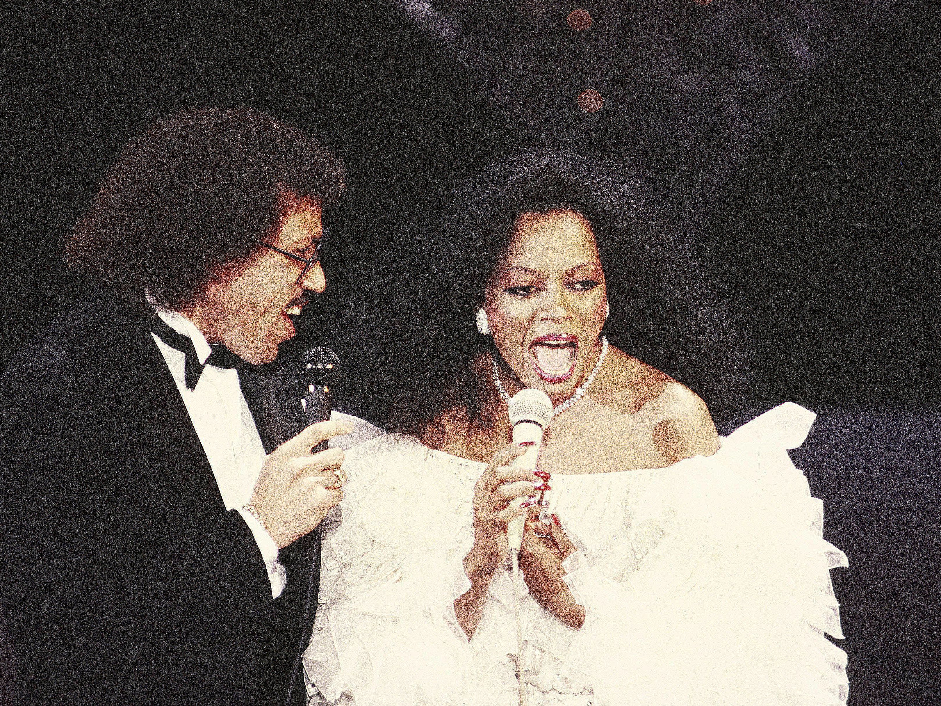 90s Wedding Songs.The 15 Greatest R B Romantic Duets