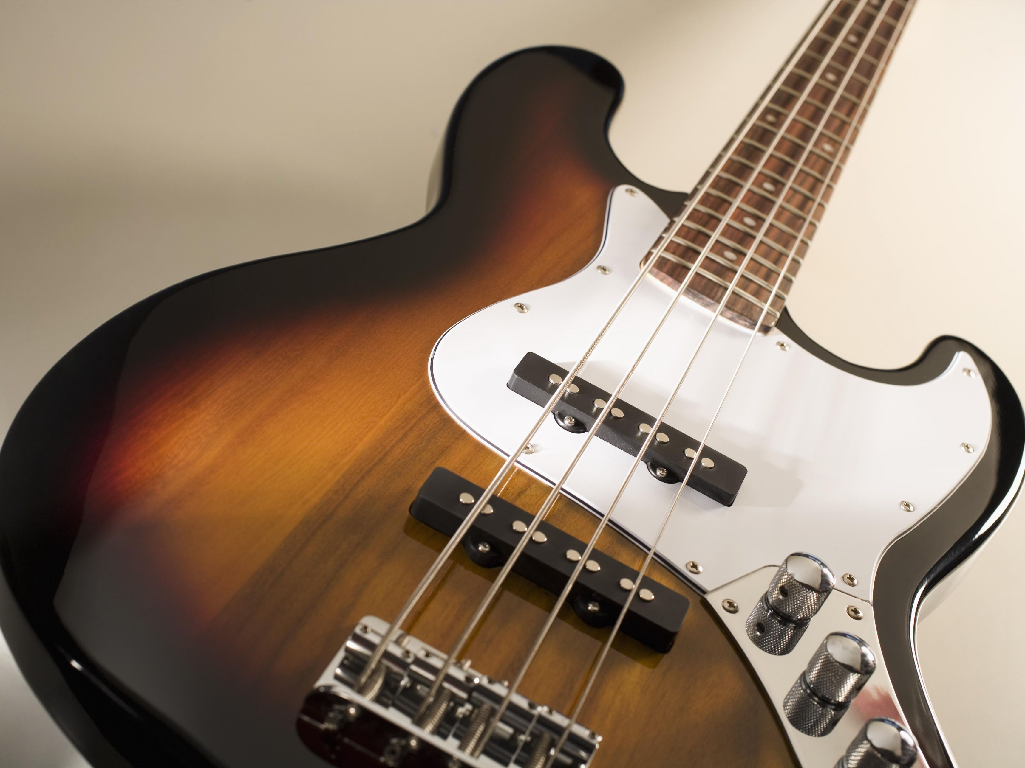 How to Read Bass Fretboard Diagrams
