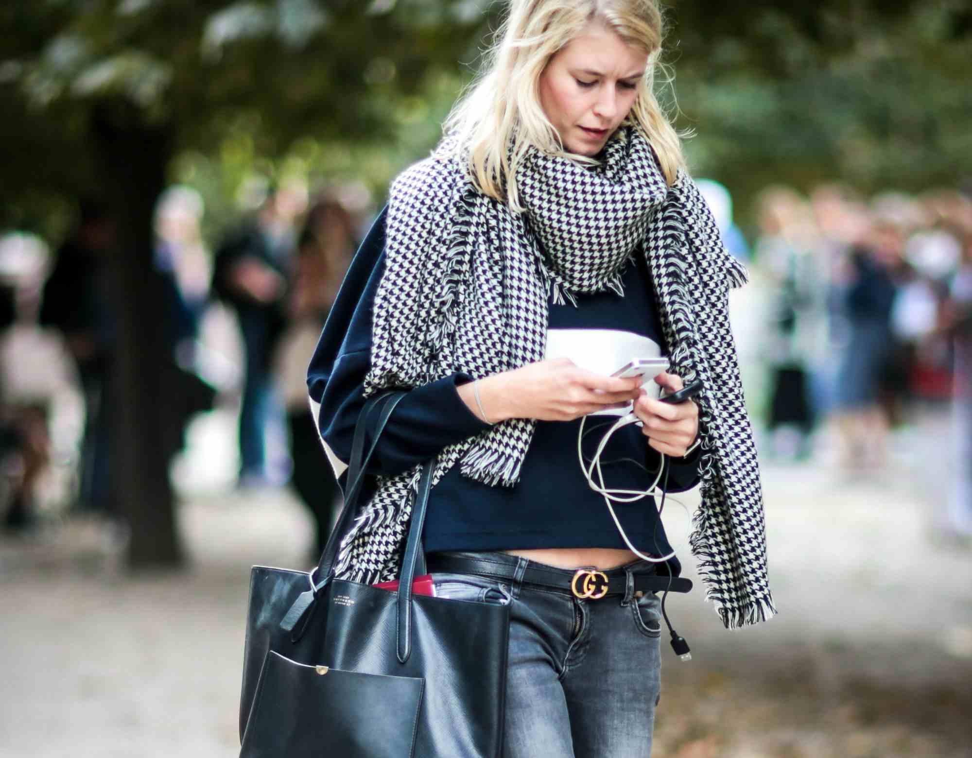 99d7d40450b What to Wear With Grey Jeans  Stylish Outfit Ideas
