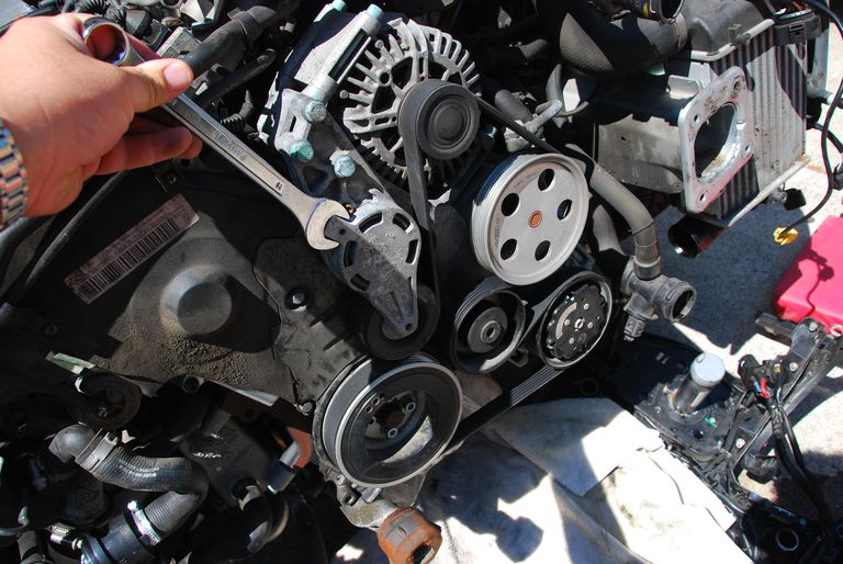 How Much Is A Serpentine Belt >> Cracked Serpentine Belt Inspection On Your Car