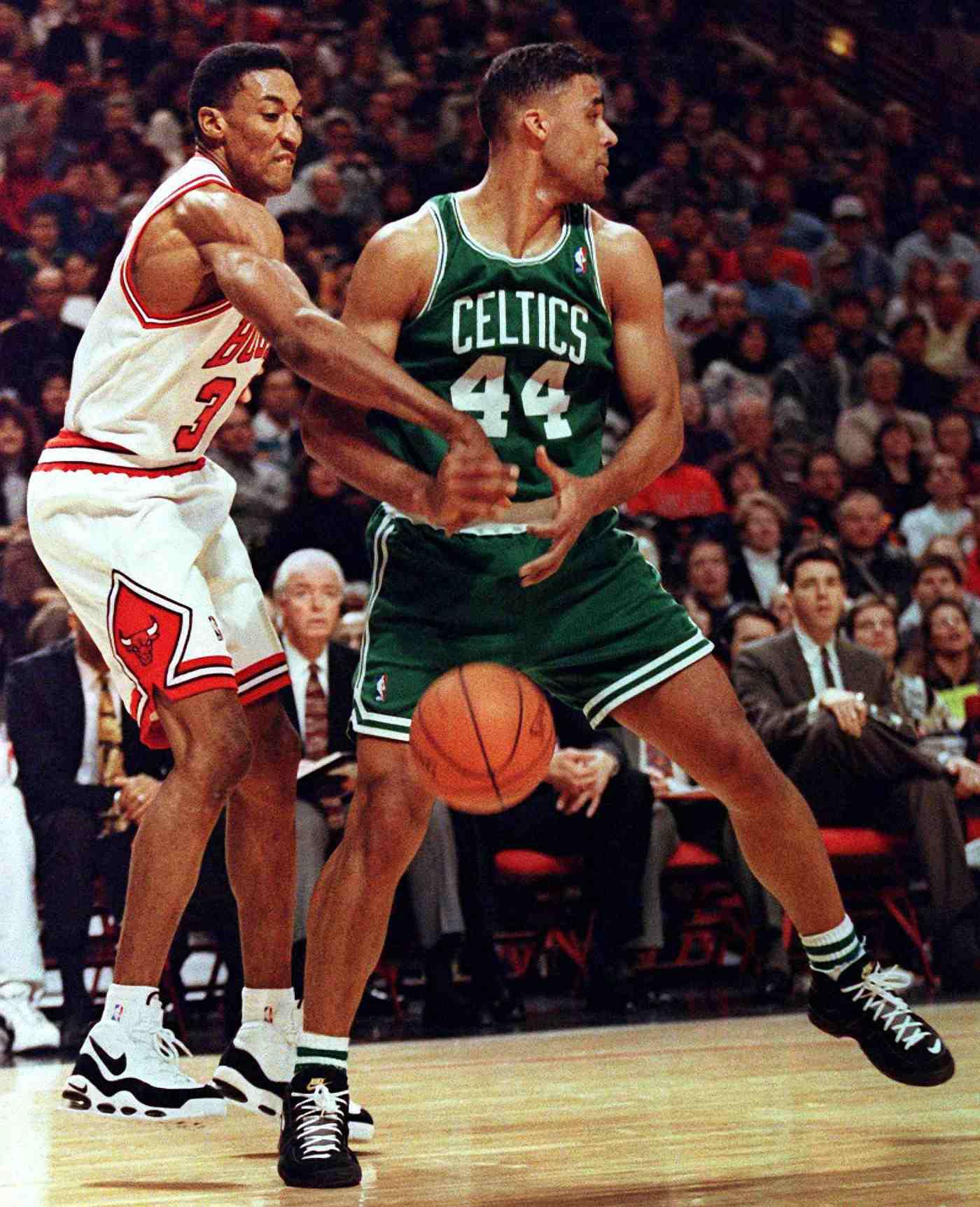 the best attitude e2e51 0be65 Scottie Pippen s 10 Best On-Court Shoes