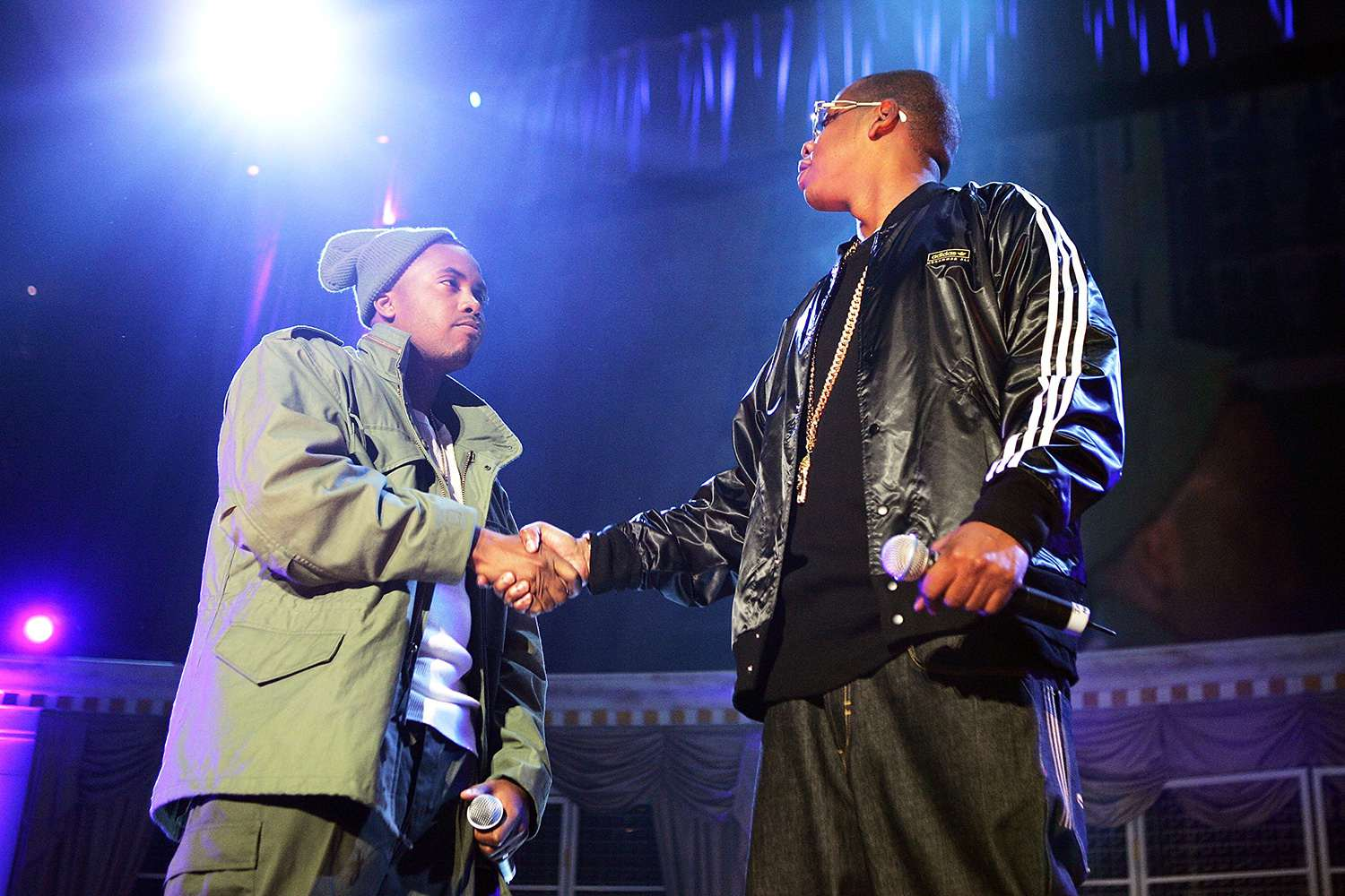 Nas and Jay-Z shaking hands
