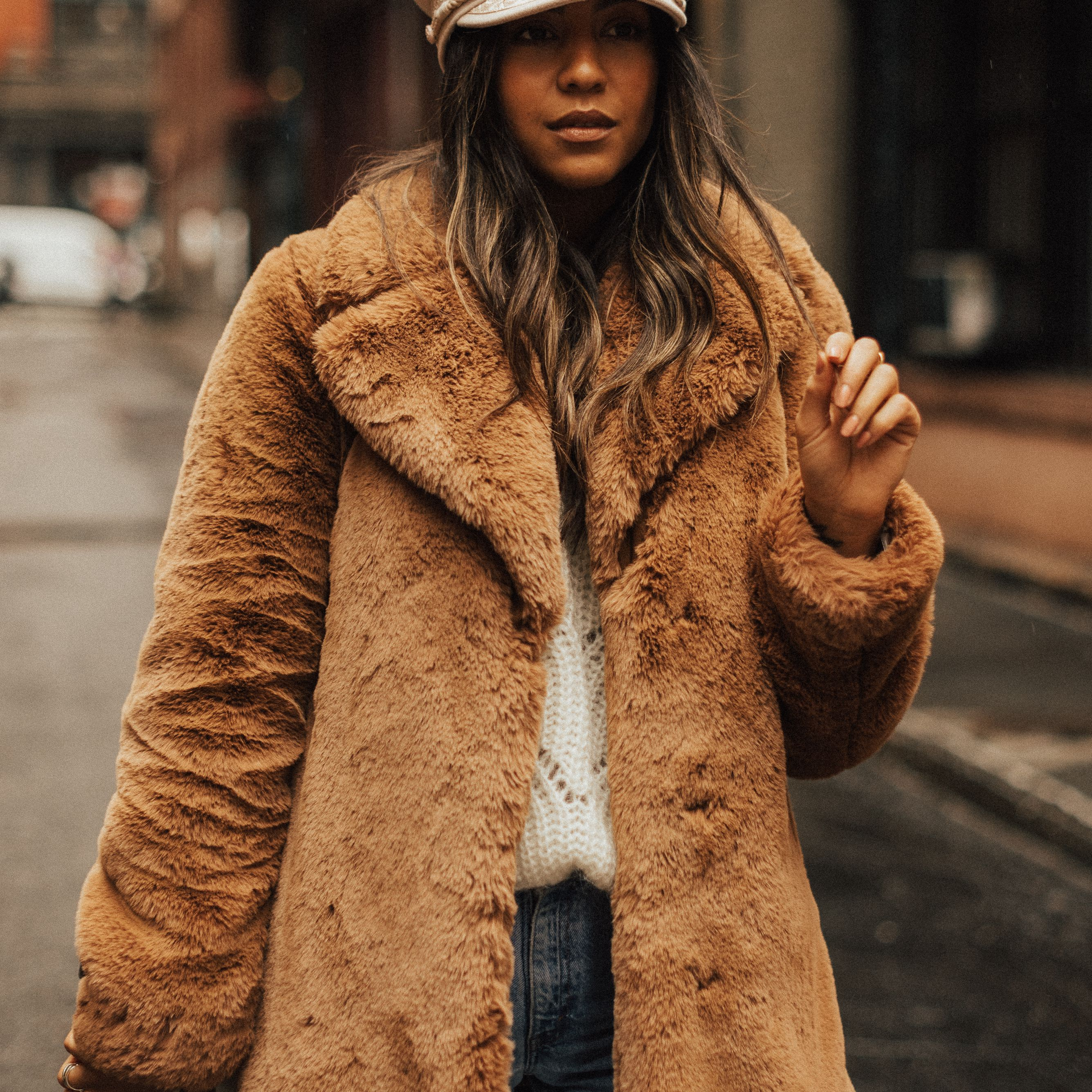 a70d4136 12 Types of Hats for Women That Combine Warmth and Style