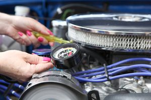 checking engine vacuum on classic car engine
